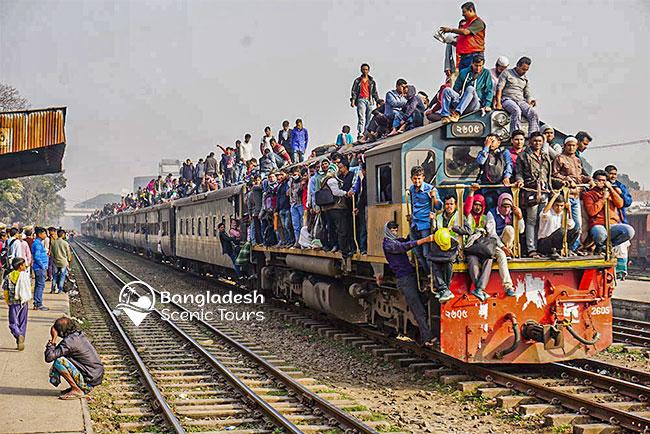 train in Bangladesh, Street Photography Tour